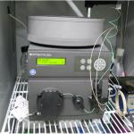 タンパク質の精製に用いる装置です。プログラム機能により複雑な精製工程を自動で行うことができます。